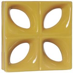 Tijolo Vazado Esmaltado Folha 25x25x8cm Amarelo - Cerâmica Martins